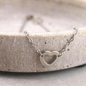 Fusskette eingefasstes Herz, Chirurgenstahl, Groessenverstellbar,