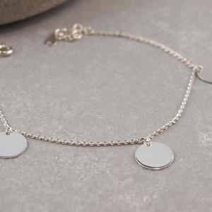 Silberarmband mit drei plaketten, groessenverstellbar