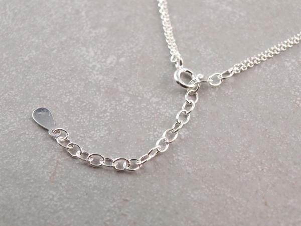 Silberkette mit zwei Anhaengern, gravierbar. groessenverstellbar