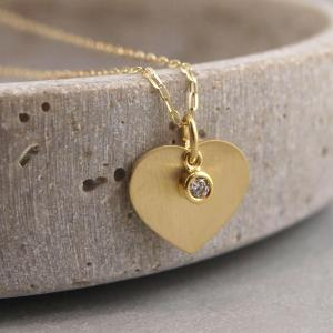 Gravuranhaenger mit kleinem Zirkonstein Silber mattiert vergoldet Herz