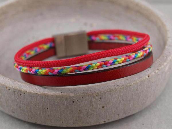 Charlie Segeltau-Edition, Gravur auf dem Magnet und Stempelung auf Leder moeglich, rot